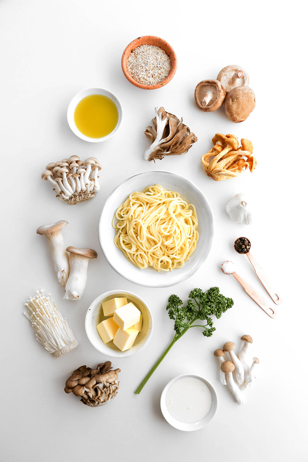 Mushroom pasta for keto and low carb. Easy recipe with shirataki noodles.