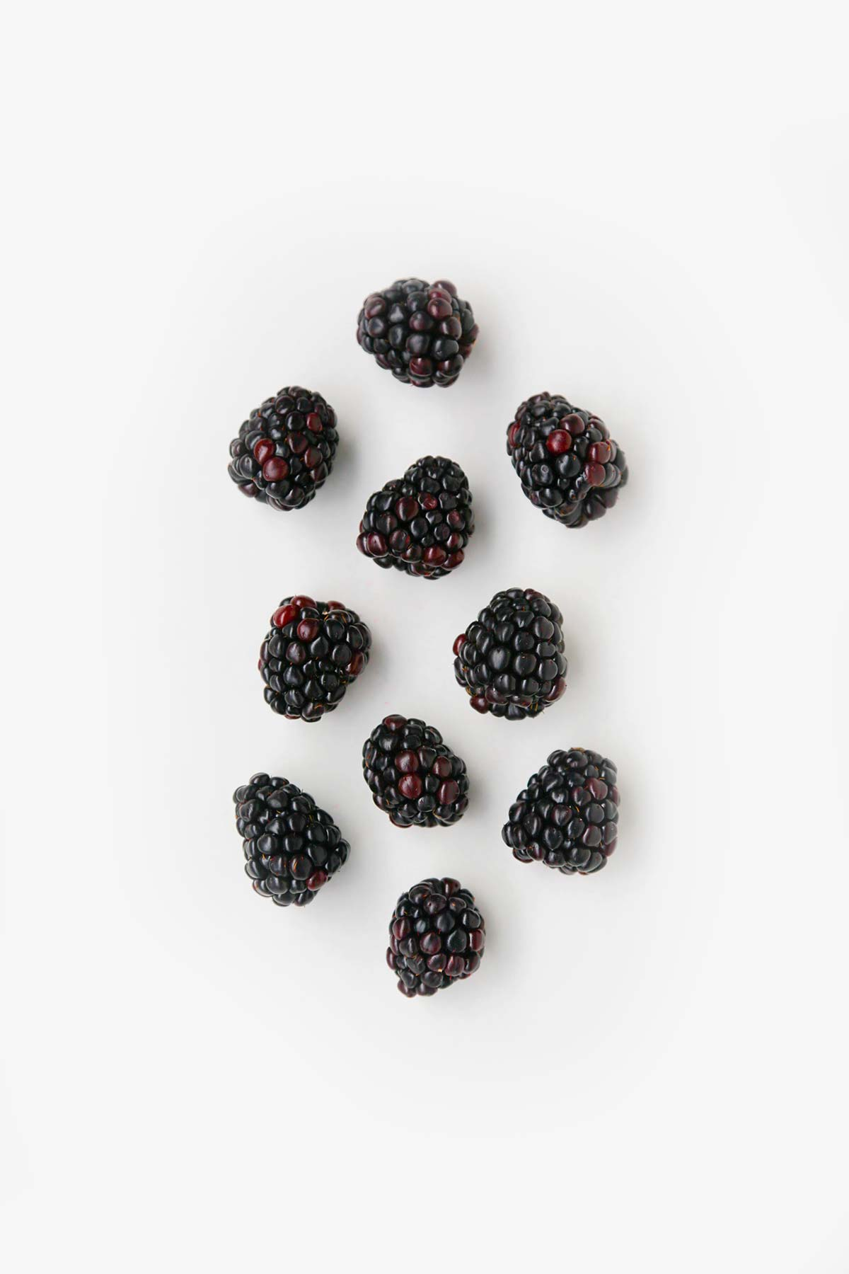 Keto Blackberries, a guide to keto foods for low carb. keto, keto ingredients, keto foods, keto produce, keto fruits, ketogenic diet, keto shopping list, low carb, low carb foods, low carb fruits, lchf, lchf foods, lchf fruit