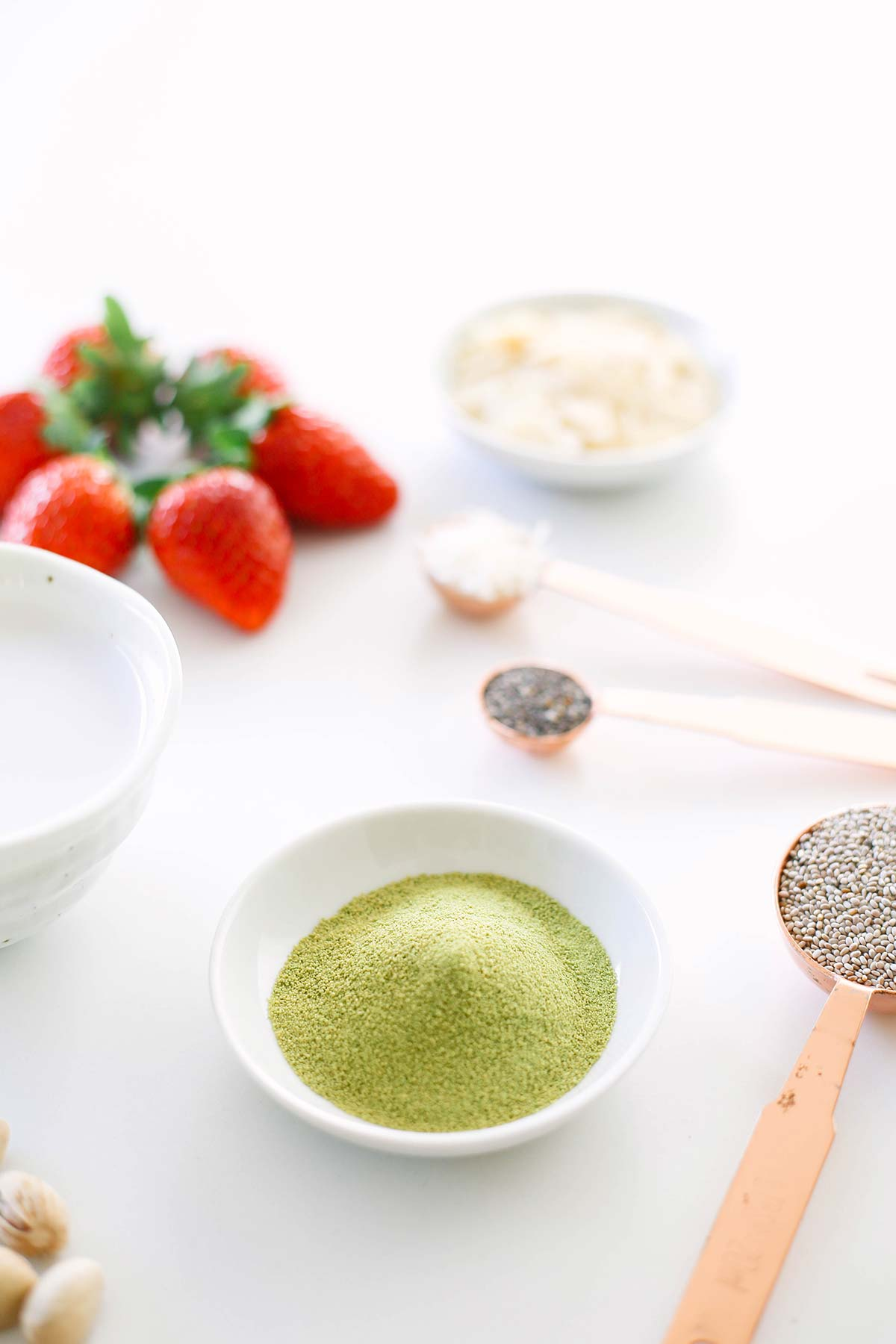 Keto Matcha Chia Pudding for ketogenic and low carb. Easy recipe with chia seeds and coconut milk. keto, matcha, keto chia pudding, matcha chia pudding, keto chia seed recipes, keto chia seed pudding, keto chia pudding low carb, keto breakfast, matcha recipes, keto recipes, ketogenic diet, keto dessert, keto easy recipes, keto easy, matcha pudding, keto meals, keto quick meals, keto recipes easy, low carb, low carb recipes, low carb chia pudding, lchf, lchf recipes
